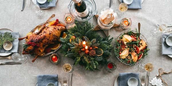 Tavola natalizia: 5 idee e consigli su come decorarla